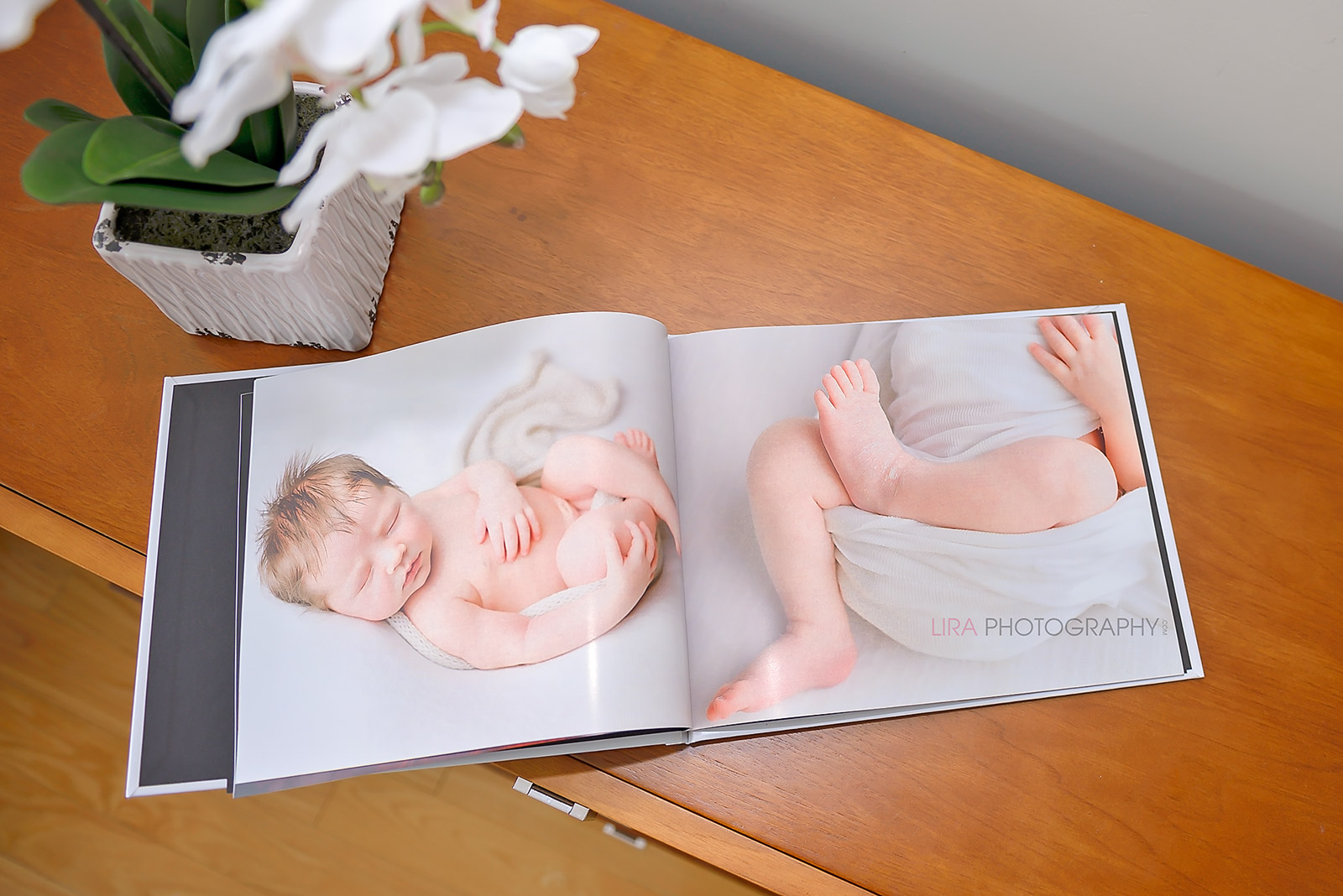 reasons-to-invest-in-a-newborn-photo-session3.jpg