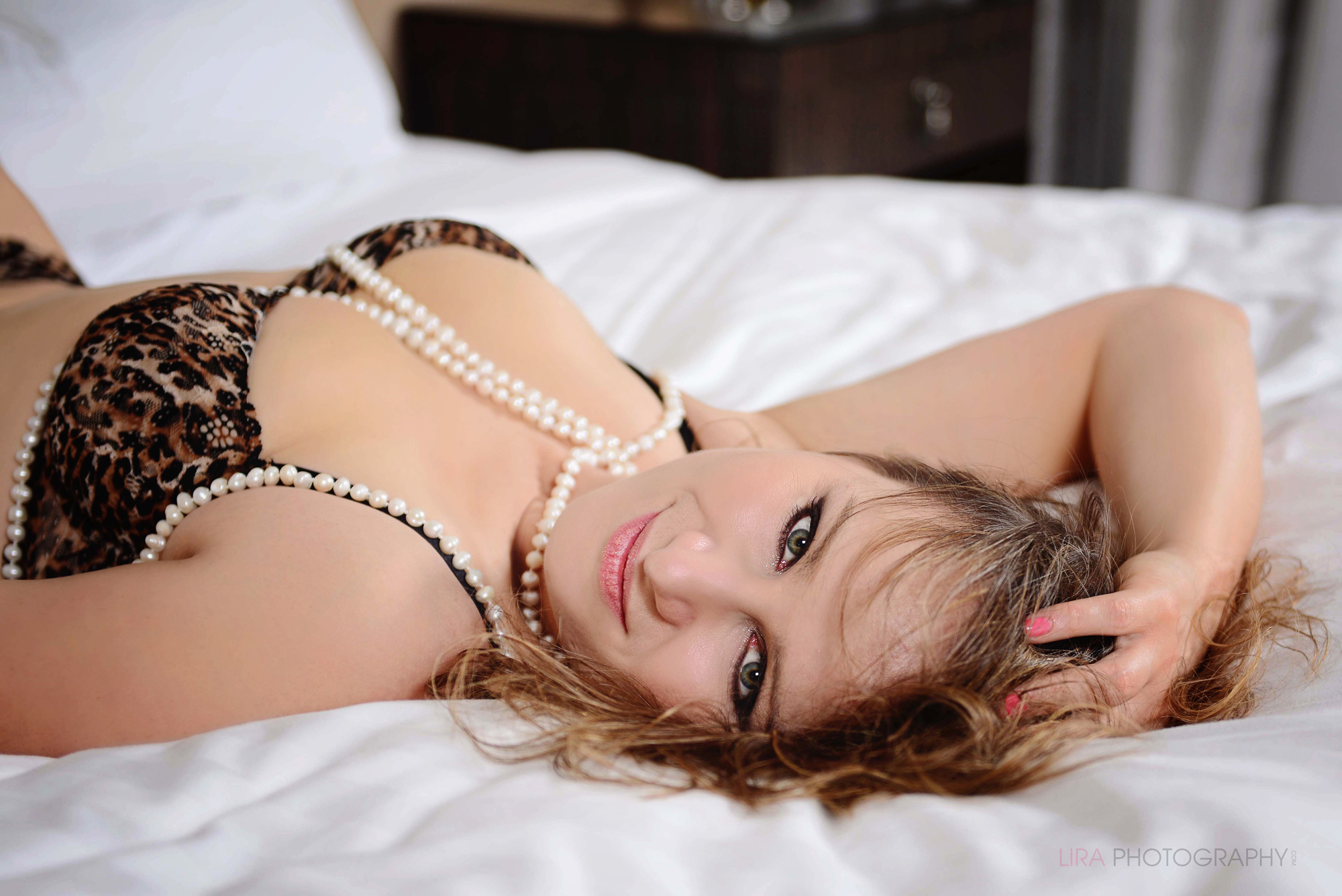 7 reasons to have a boudoir photo session 3.jpg
